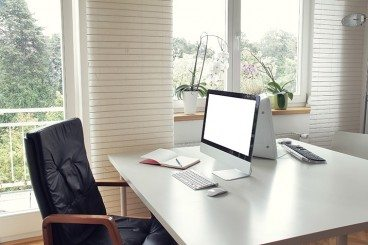 Freelancing 101: How to Collaborate When You Work Alone