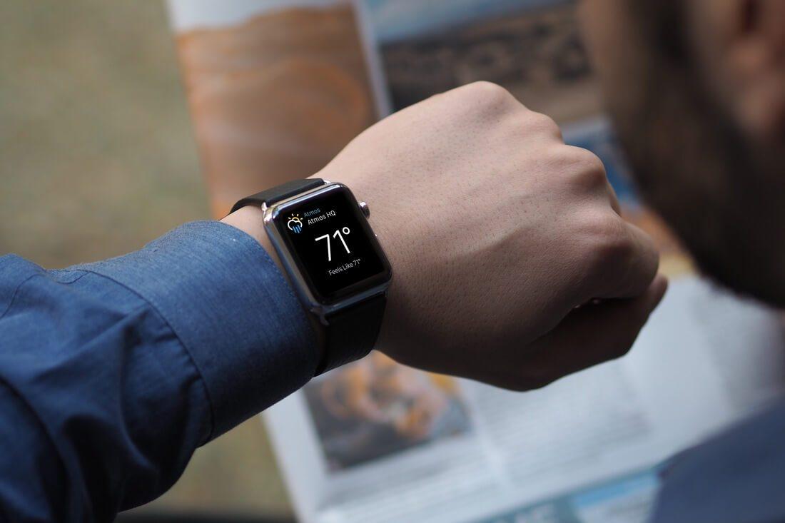 Apple-Watch-Mockup-PSD 50+ Apple Watch Mockups & Graphics design tips