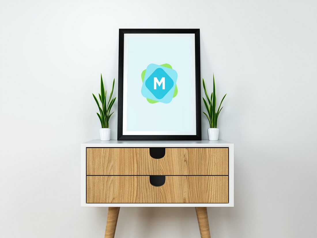 Free Modern Poster Frame Mockup PSD