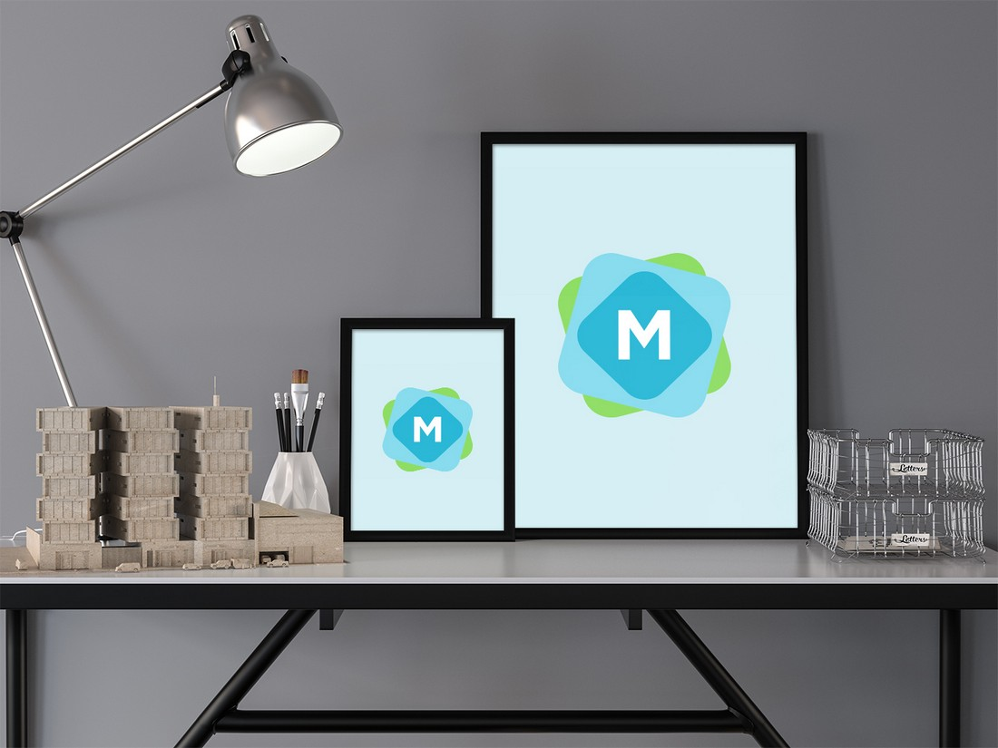 Free Poster & Desk Mockup PSD