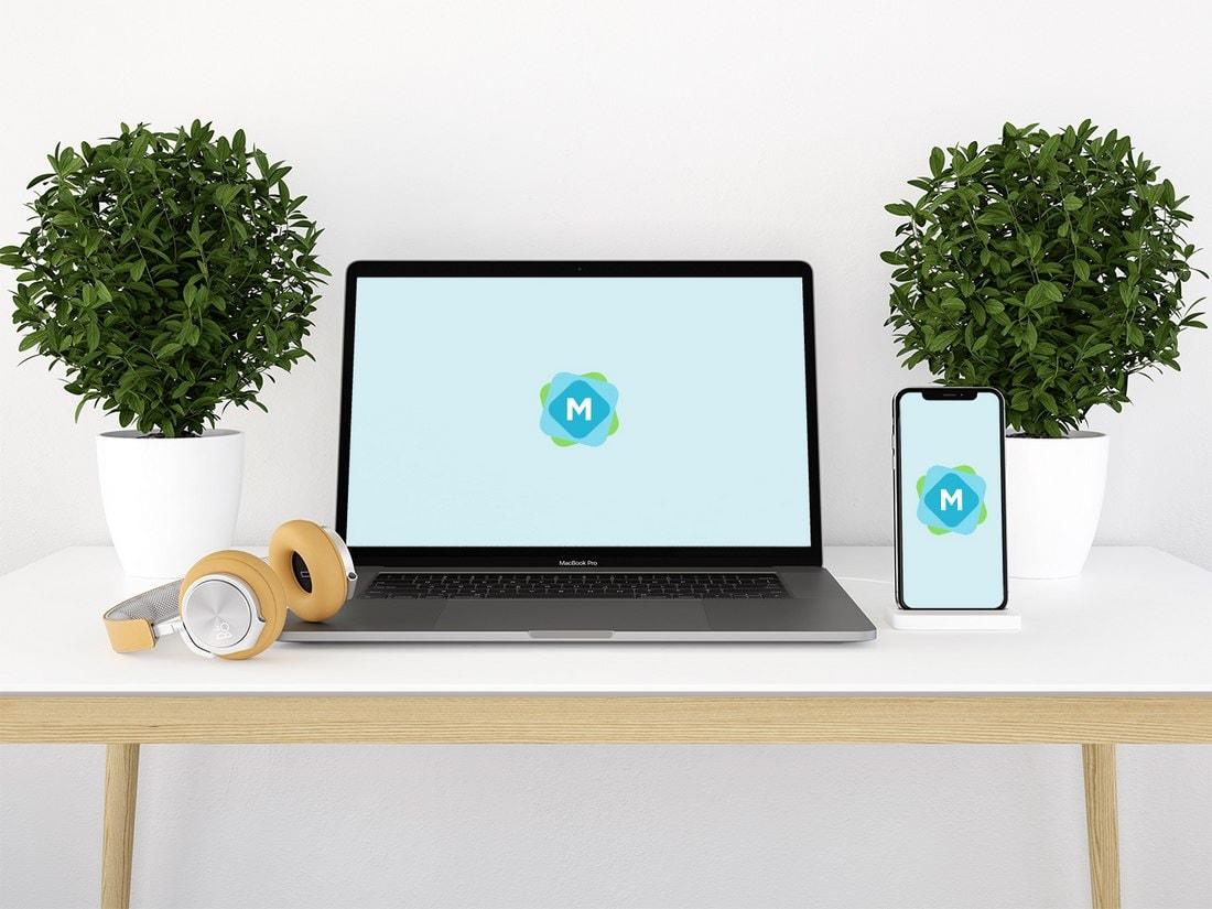 Free iPhone X & MacBook Pro Desk Mockup