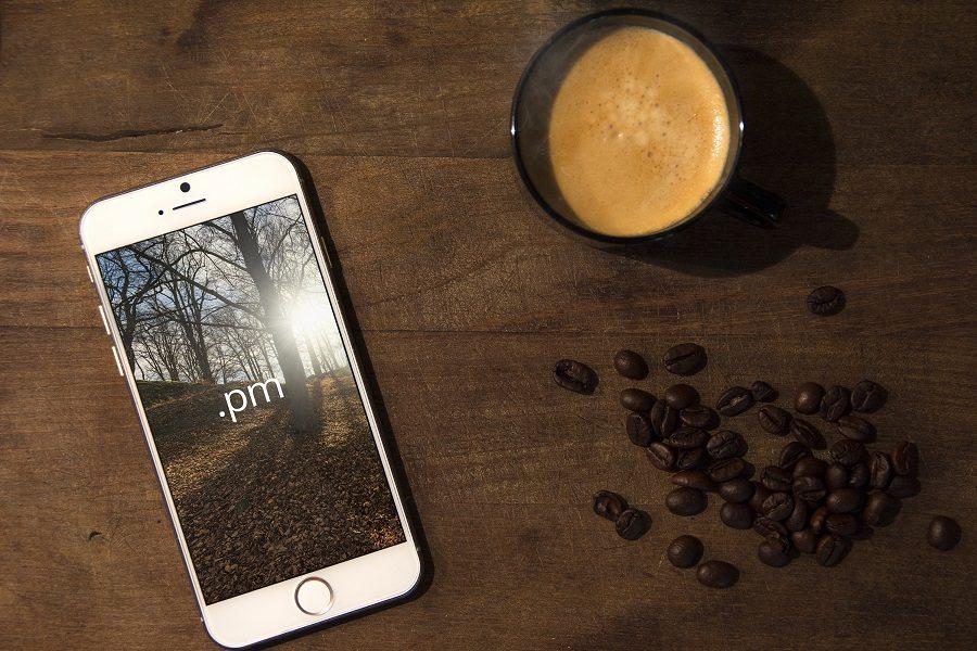 Premium-Mockups-iPhone-6 100+ iPhone PSD & Vector Mockups design tips