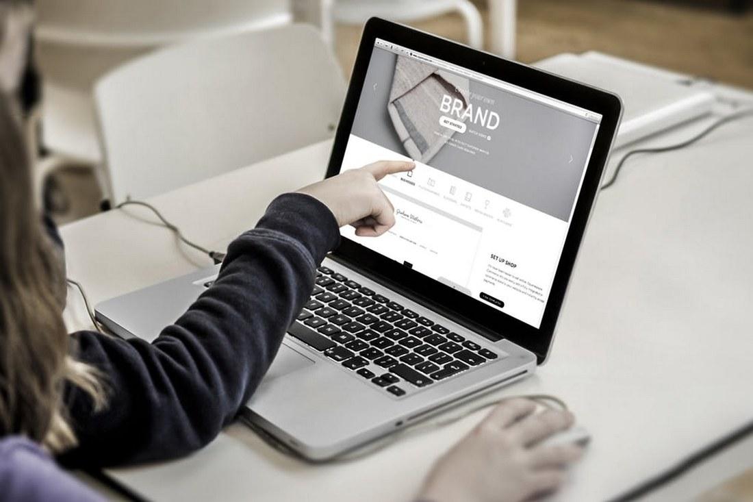 Professional-MacBook-Mockup 100+ MacBook Mockup Templates (PSD & Vector) design tips