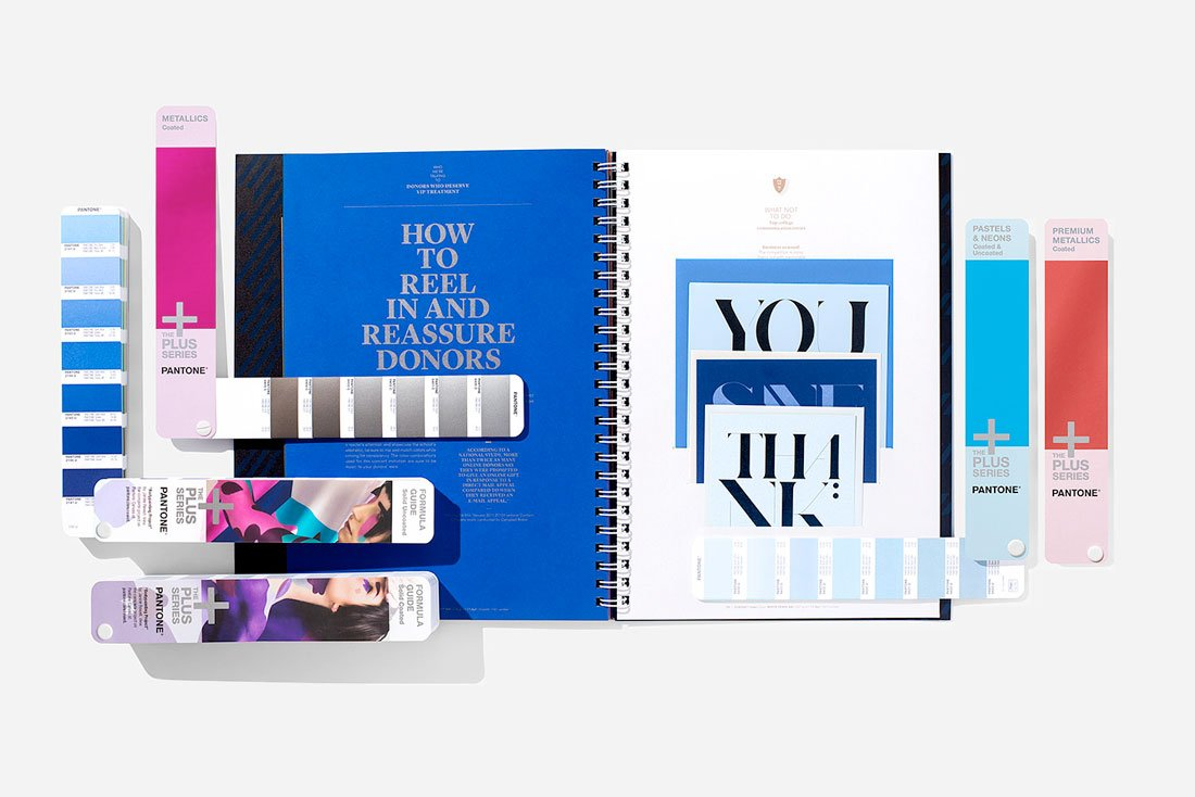 pantone-solids The 2018 Christmas & Holiday Gift List for Designers design tips