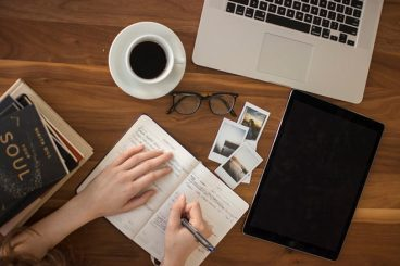 20 Must-Have Apps + Tools for New Remote Workers